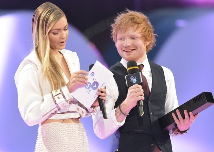 The 5′ 10″ tall Gigi Hadid towered over the much shorter Ed Sheeran