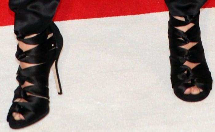 "January Jones rocks Paul Andrew ""Vitales"" sandals"