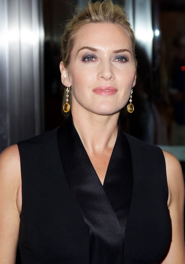 Kate Winslet laughed off the botox rumors by wriggling her eyebrow