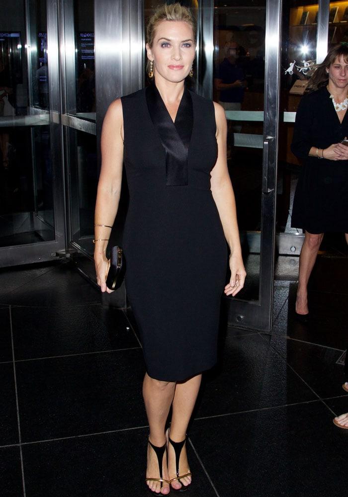 Kate Winslet flaunted her legs in t-strap leopard heels