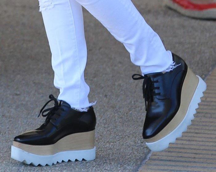 9557da4cdad95 Kourtney Kardashian Enjoys Shopping in Stella McCartney Flatforms