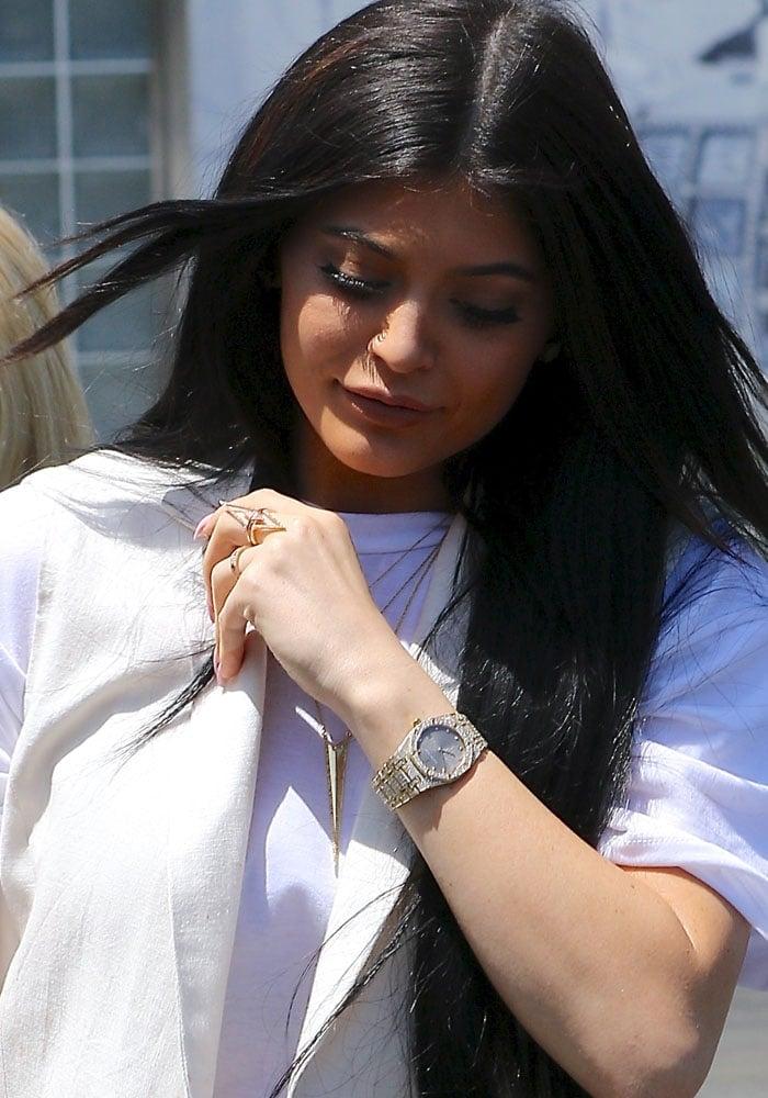 Kylie Jenner shows off her luxury watch from Audemars Piguet