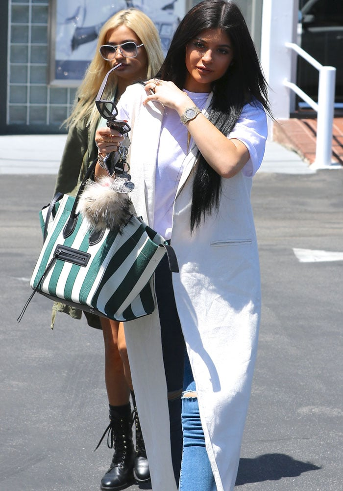 Kylie Jenner has been practicing singing with Snapchat buddy Pia Mia