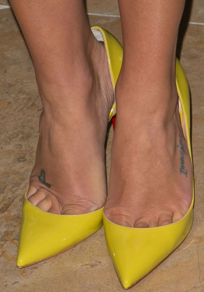 Lea Michele shows off her sexy feet in yellow pumps