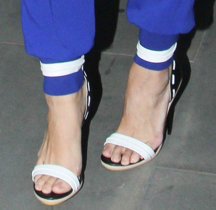 Leona Lewis Sings Quot Fire Under My Feet Quot In Gwen Stefani Heels