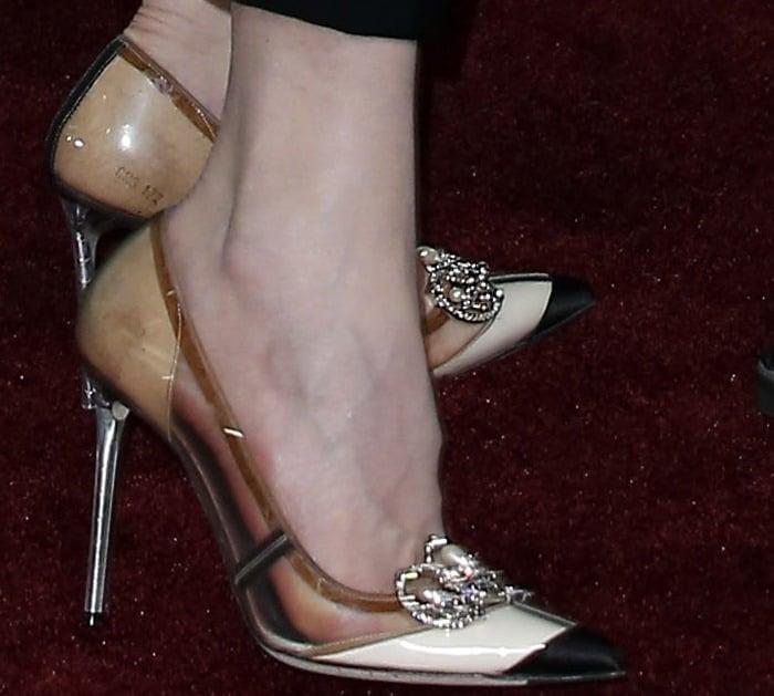 Nicole Kidman's pretty feet in pointy-toe Balenciaga PVC pumps