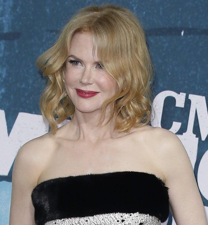 Nicole Kidman's strapless peplum top with faux fur trim