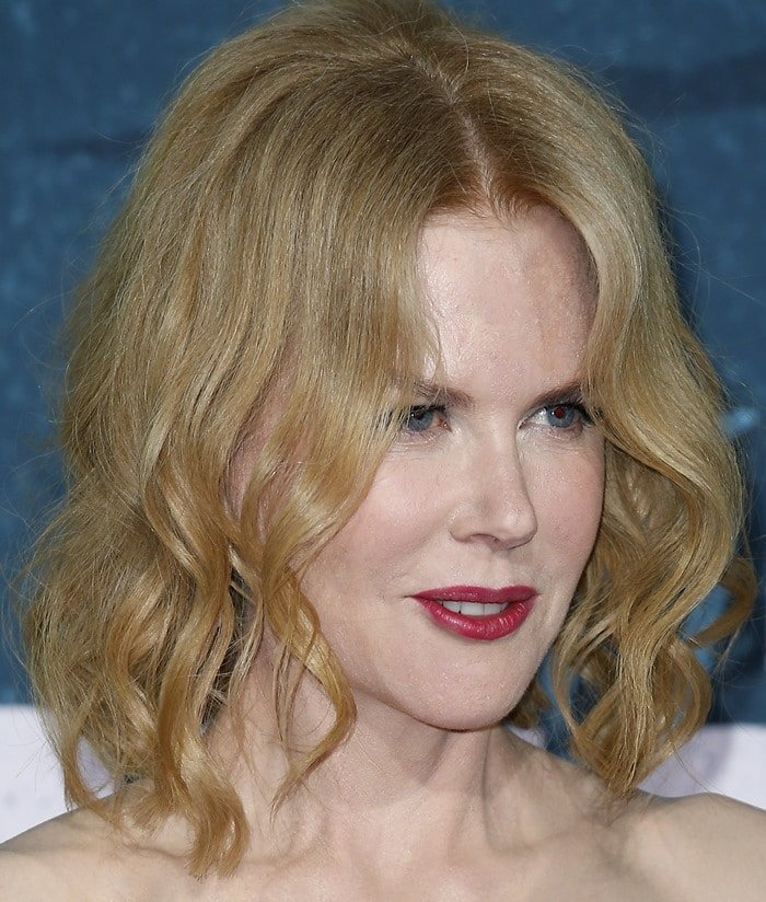Nicole Kidman's extra-frozen face and tousled hair