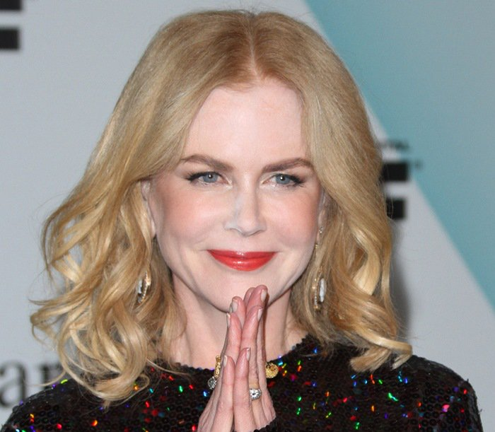 Nicole Kidman fell foul of a disastrous makeup job and was pictured with heavy powder all over her face