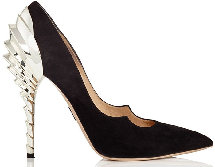 These Paul Andrew Chrysler Zenadia pumps challenge the black pump genre with a striking, sculptural gold heel