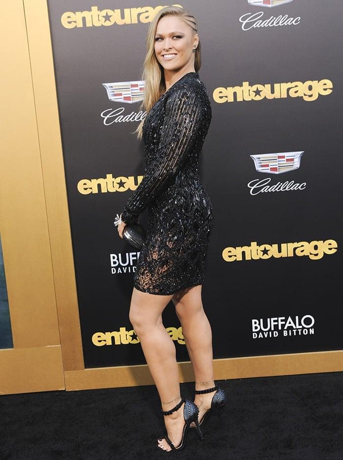 Ronda-Rousey-shimmering-black-dress-Entourage-premiere-1