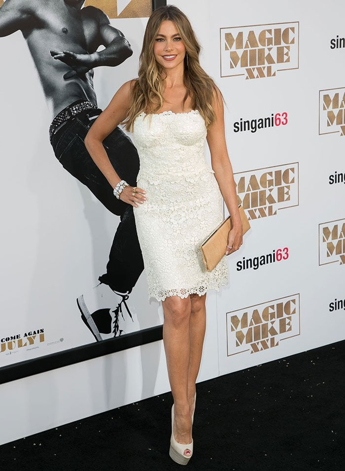 Sofia Vergara donned a strapless macrame lace cocktail dress by Dolce & Gabbana