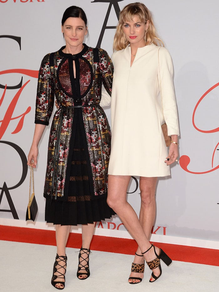 Jessica Hart with Tabitha Simmons at the 2015 CFDA Fashion Awards