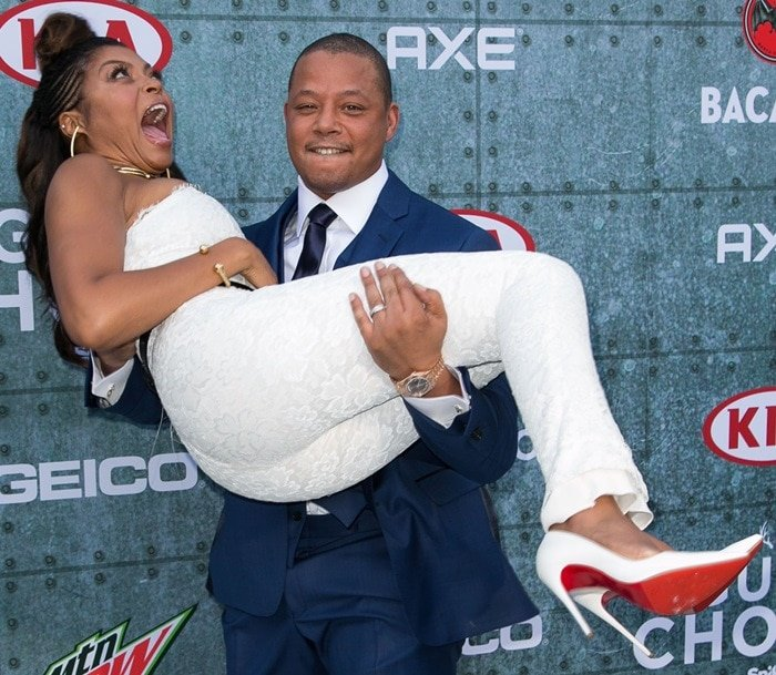 Terrence Howard carried Taraji P. Henson, who weighs approximately 60 kg (132 lb)