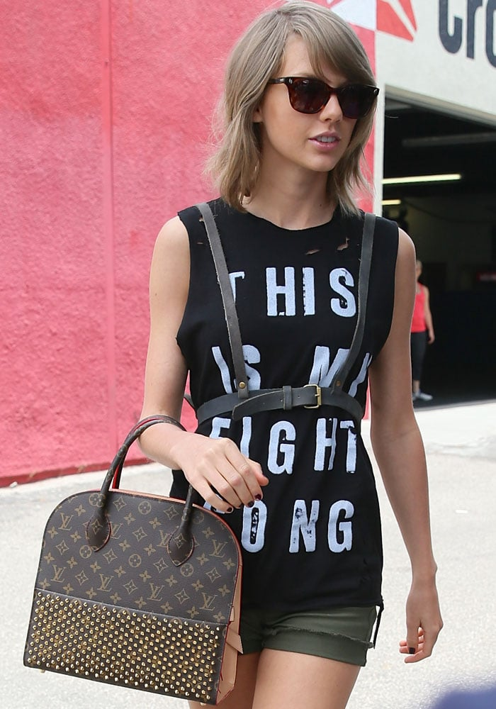 Taylor Swift loves her shorts from James Jean
