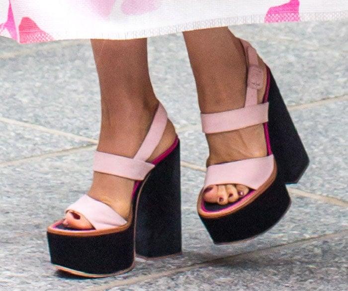 Victoria Beckham's hot feet in platform sandals from her collection