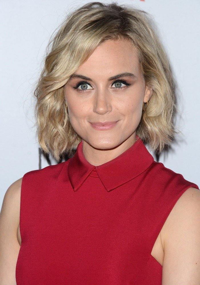 Taylor Schilling Is Red-Hot in Cushine et Ochs Dress and ...