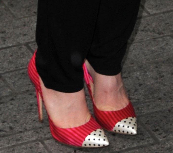 Carly Rae Jepsen's hot feet in Jerome C. Rousseau pumps