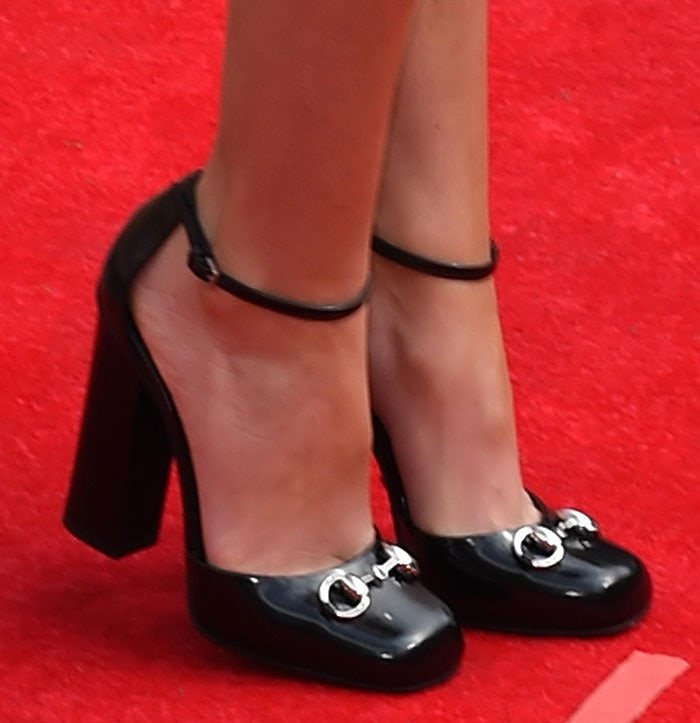 Cheryl Fernandez-Versini shows off her sexy feet in Gucci pumps