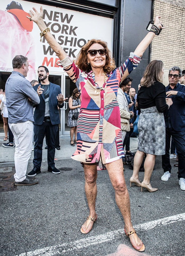 Diane von Fürstenberg flaunted her legs in a colorful dress