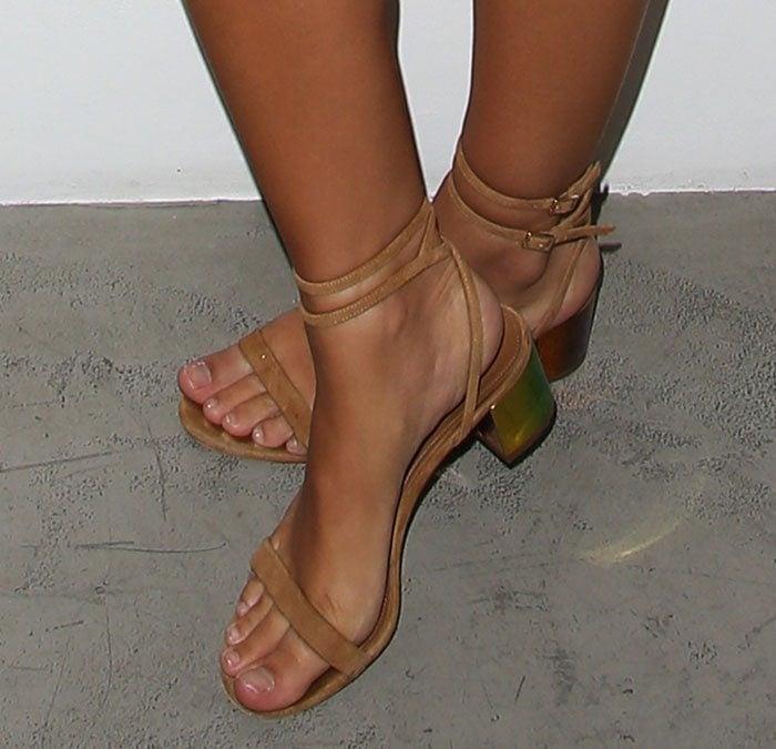 Emily-Ratajkowski-Aquazzura-iridescent-block-heel-sandals