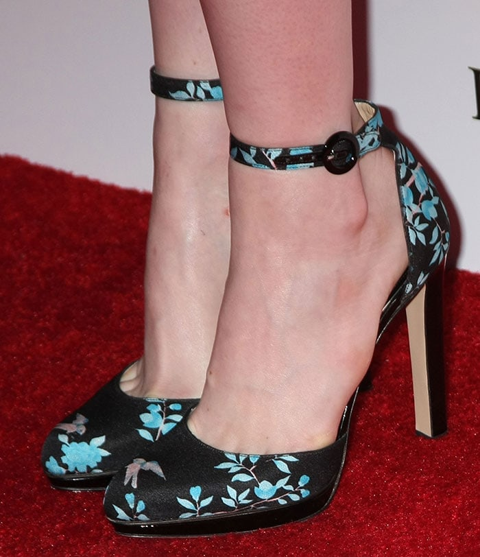 Emma Stone's sexy feet in Paul Andrew shoes