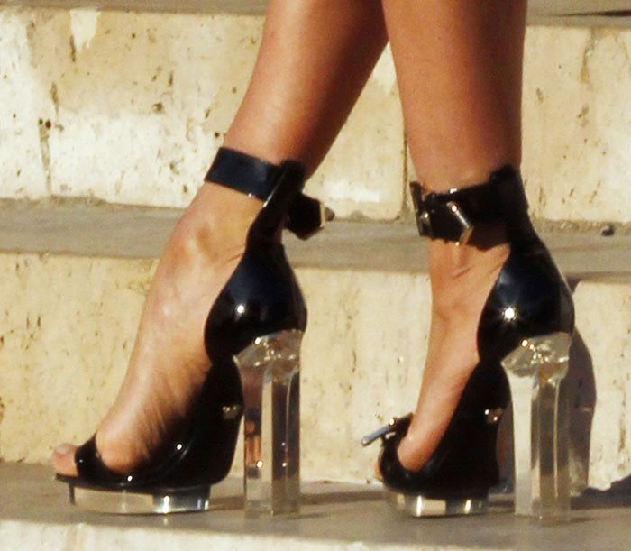 Irina Shayk's hot feet in black Versace sandals