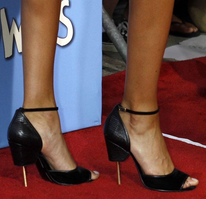 Joan-Smalls-in-Givenchy-Matilda-Sandals