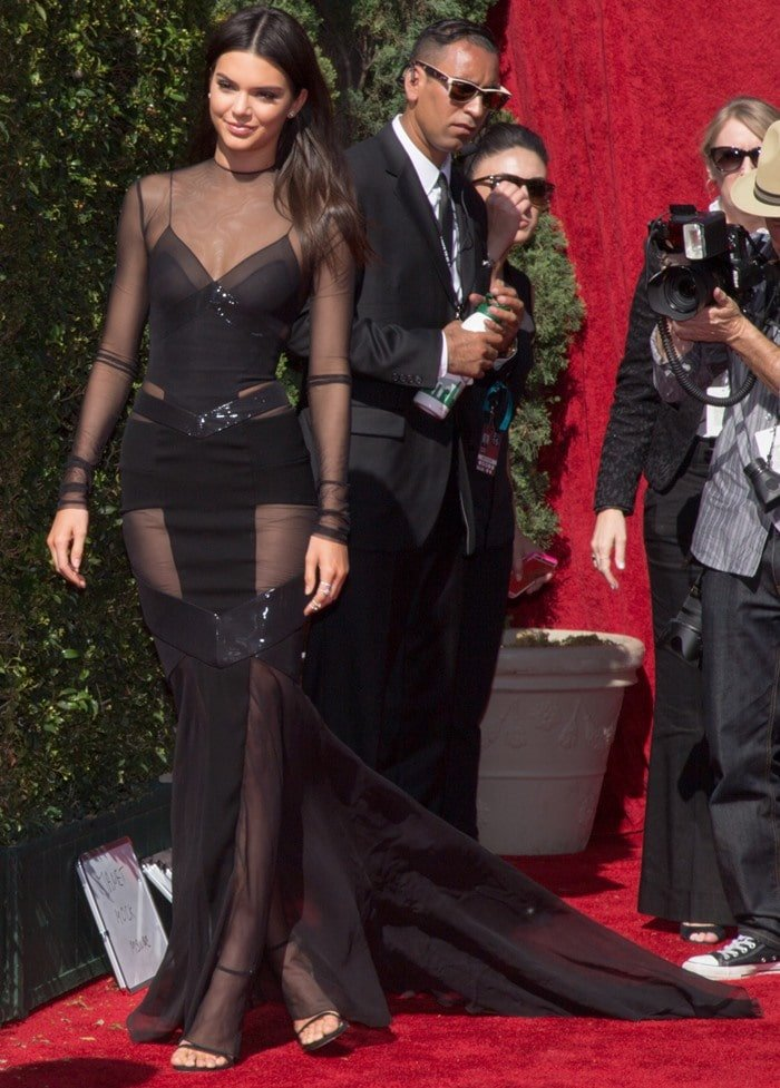 Kendall Jenner is head-to-toe glam in a sparkling black-on-black look on the red carpet