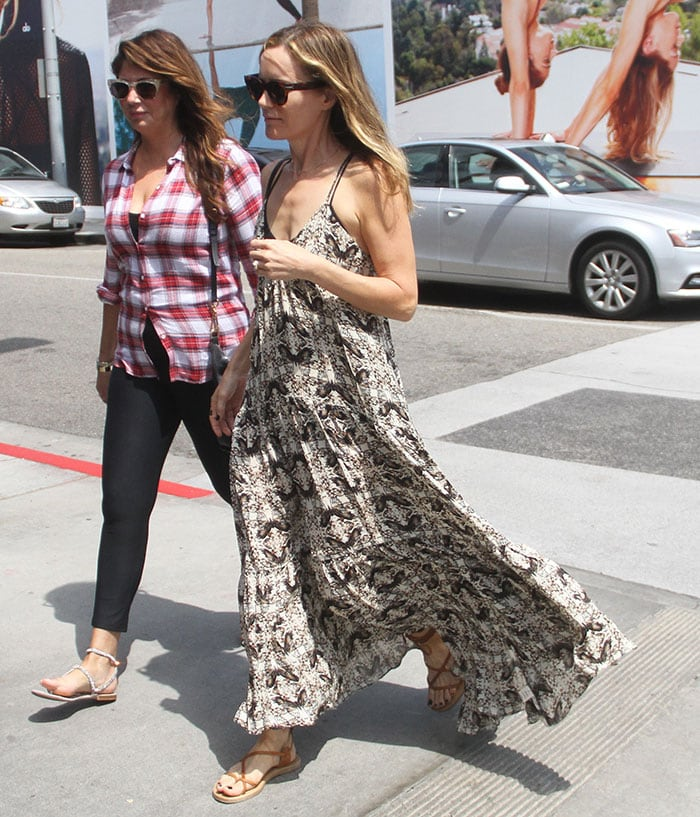 Leslie Mann shopping with a friend in Beverly Hills