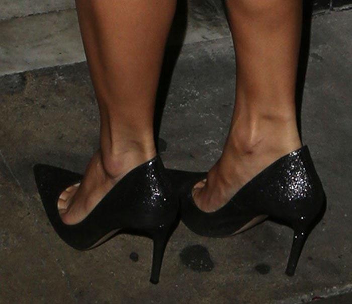Nicole Scherzinger's sexy feet in Gianvito Rossi pumps