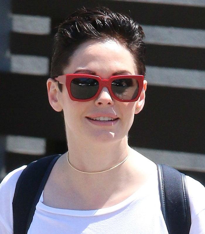 Rose McGowan's red-framed sunglasses