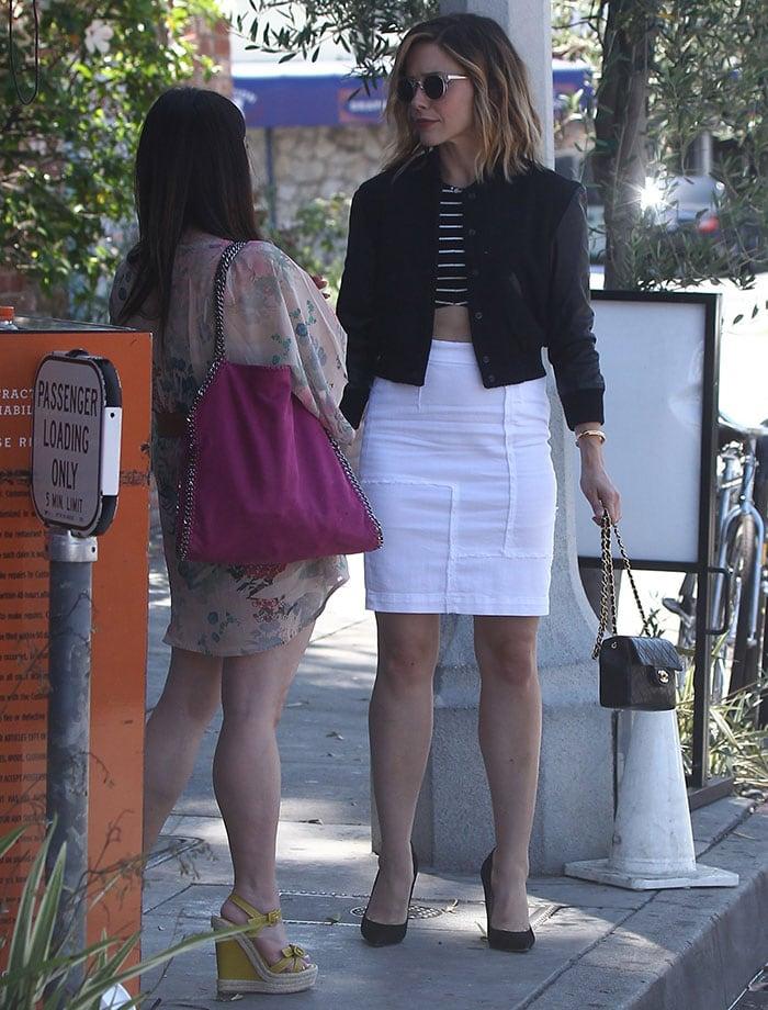 Sophia Bush runs errands