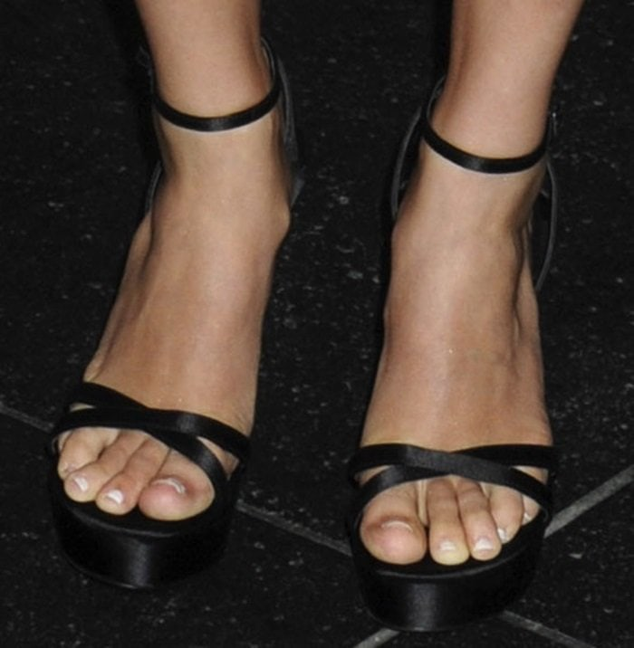 AnnaSophia Robb displayed her sexy feet at a screening of Irrational Man