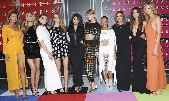 """Taylor Swift's """"Bad Blood"""" squad poses at the 2015 MTV Video Music Awards"""