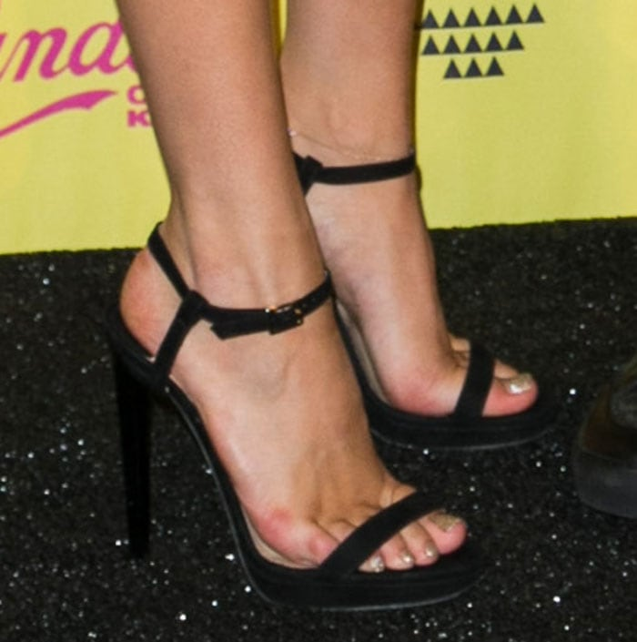 Bella-Thorne-Black-Suede-Ankle-Strap-Sandals
