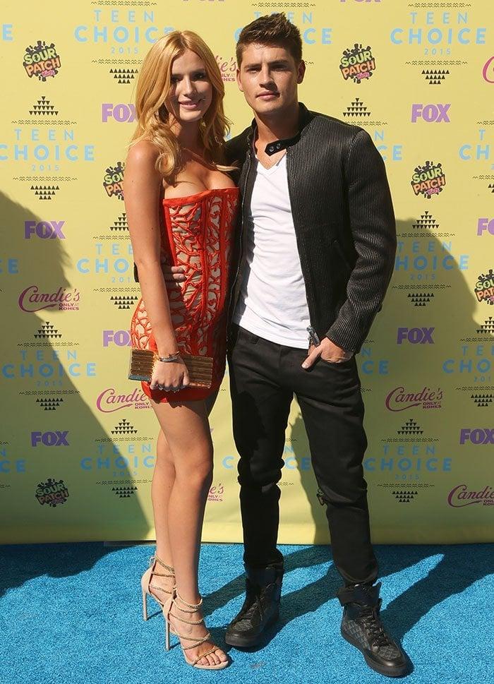 Bella-Thorne-Gregg-Sulkin-Teen-Choice-Awards-2015