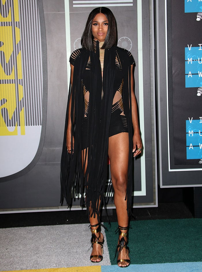Ciara shows off a head-to-toe Alexandre Vauthier look on the carpet at the MTV VMAs