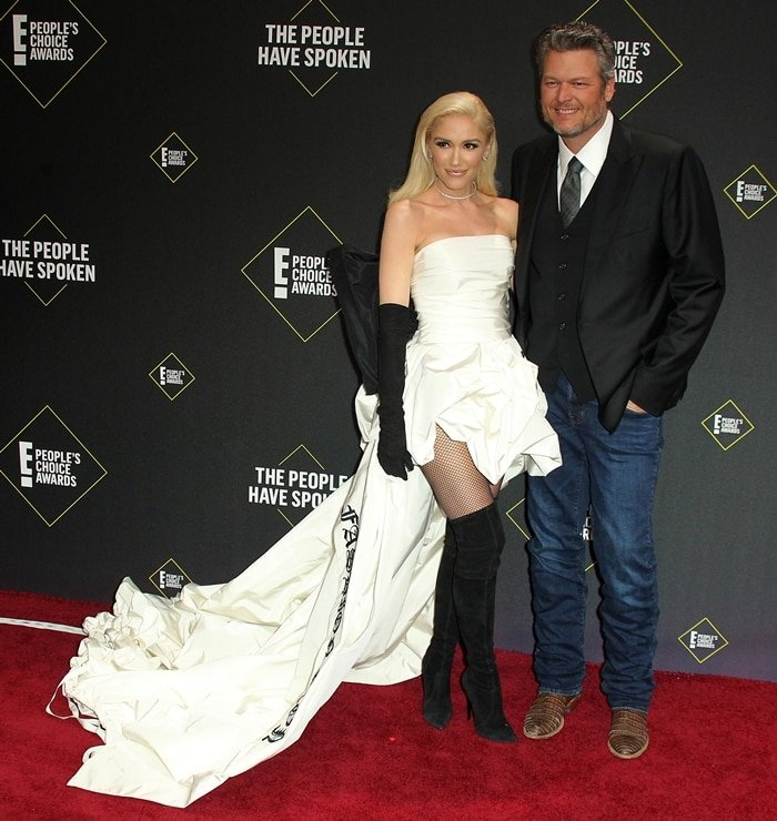 Gwen Stefani announced her relationship with Blake Shelton, country music artist and The Voice co-star, in September 2015