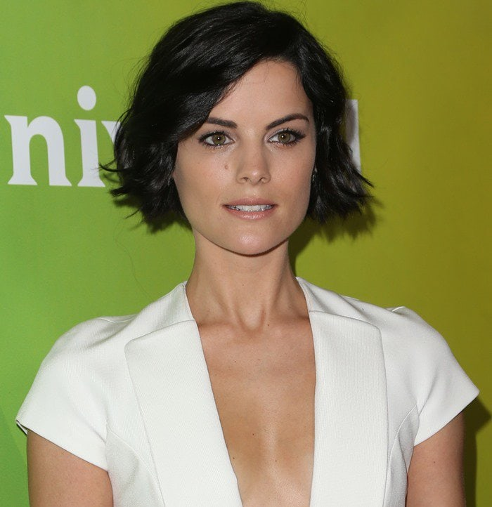 Jaimie Alexander shows her piece-y black bob and décolletage on the red carpet