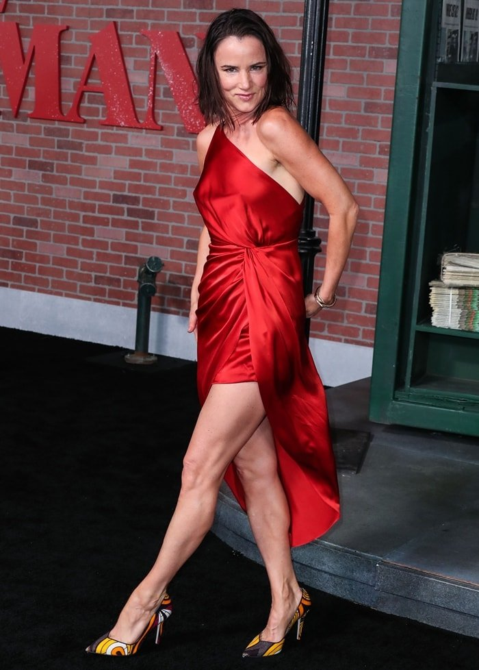 Actress Juliette Lewis flaunts her legs in a red dress at the Los Angeles Premiere Of Netflix's 'The Irishman'