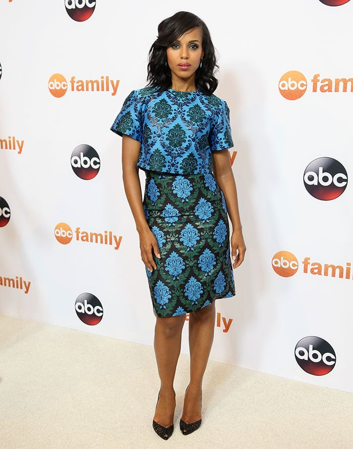 Kerry Washington wore a knee-length Mary Katrantzou dress
