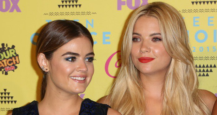 Lucy Hale and Ashley Benson pose for photos at the 2015 Teen Choice Awards