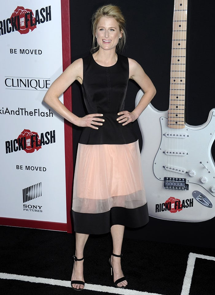 Mamie Gummer flashed her sexy legs in a Balenciaga dress
