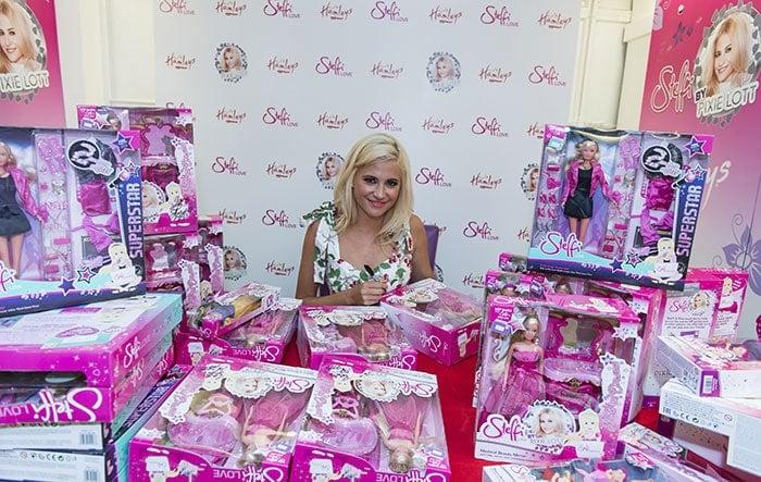 Pixie-Lott-Steffi-Love-fashion-doll-range-launch-1