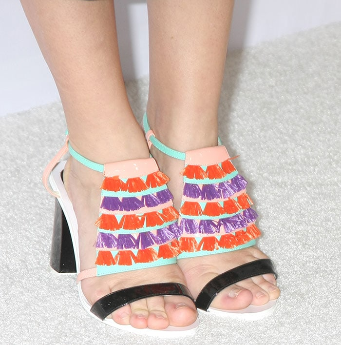 Liza Weil's sexy feet in Pollini sandals
