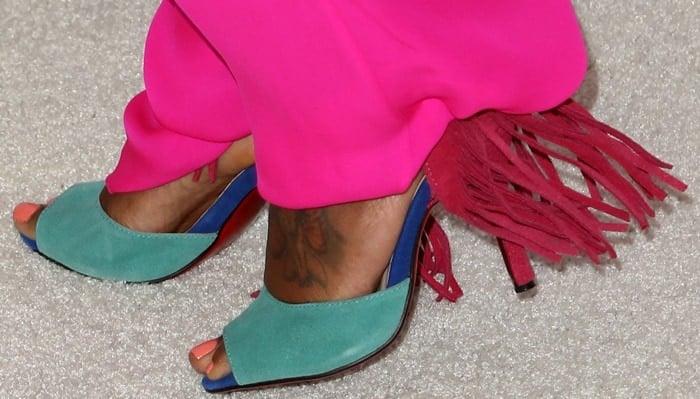 Regina King showed off her feet in Otrot fringed color-block suede sandals