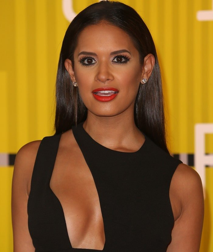 Rocsi Diaz flaunts her cleavage in a revealing black minidress from House of CB