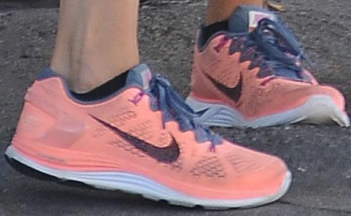 Rosie Huntington Whiteley Gym Nike 3