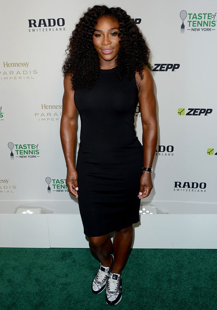 Serena Williams flaunted her legs in a form-fitting black sleeveless dress